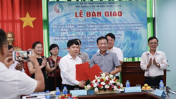 Bàn giao Mạng quan trắc tài nguyên nước dưới đất Đồng bằng Sông Cửu Long
